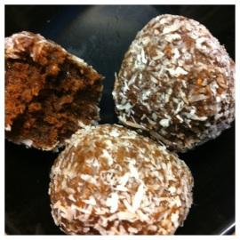 Cocoa-Date Balls